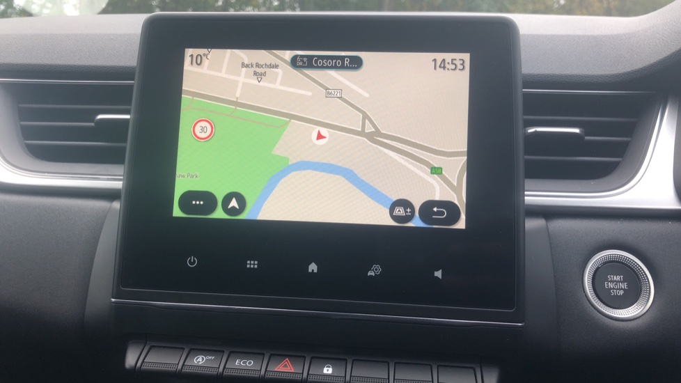 Renault Captur 1.0 TCE 100 Iconic 5dr with Parking Sensors, Sat Nav & Lane Departure Warning image 24