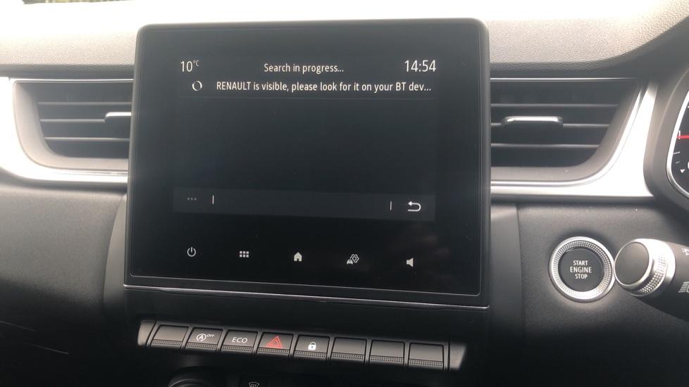 Renault Captur 1.0 TCE 100 Iconic 5dr with Parking Sensors, Sat Nav & Lane Departure Warning image 29
