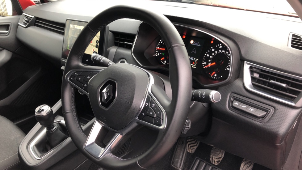 Renault Clio 1.0 TCe 100 Iconic 5dr image 10