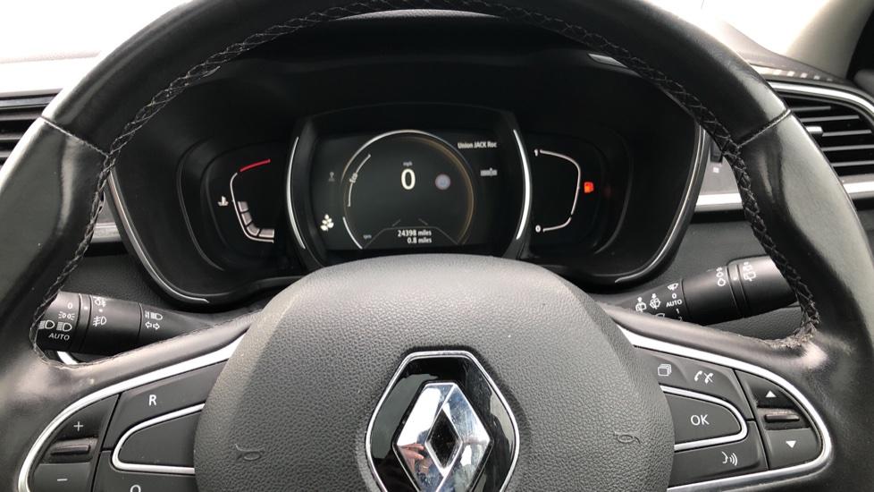 Renault Kadjar 1.2 TCE Signature Nav 5dr with Panoramic Sunroof, Sat Nav & Parking Sensors image 16