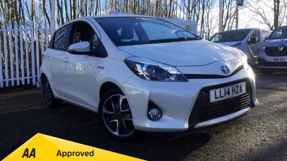 Toyota Yaris 1.5 VVT-i Hybrid Trend CVT Petrol/Electric Automatic 5 door Hatchback (2014) at Renault Bury thumbnail image