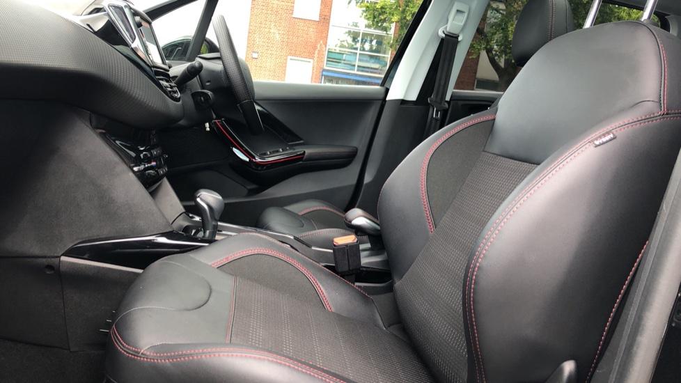 Peugeot 2008 SUV 1.2 PureTech 110 GT Line EAT6 image 3