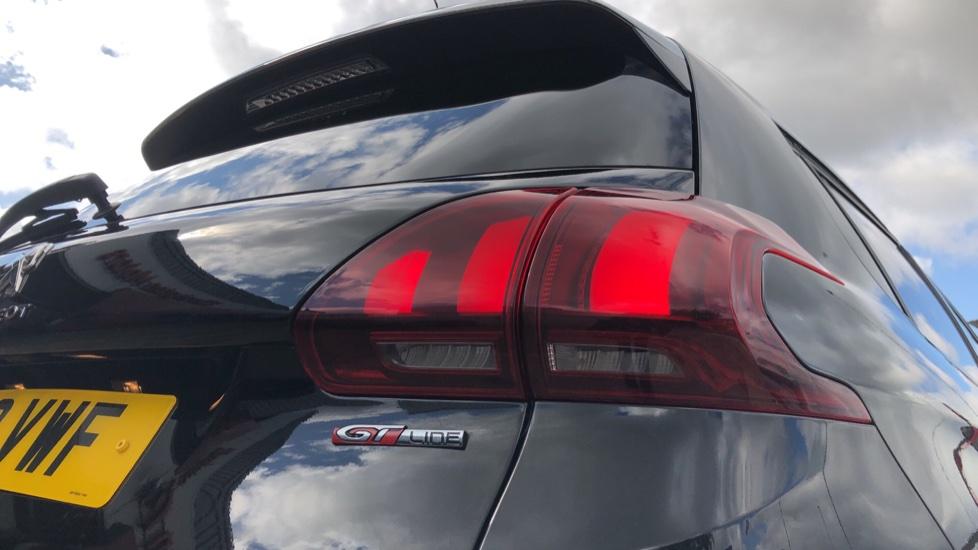 Peugeot 2008 SUV 1.2 PureTech 110 GT Line EAT6 image 13