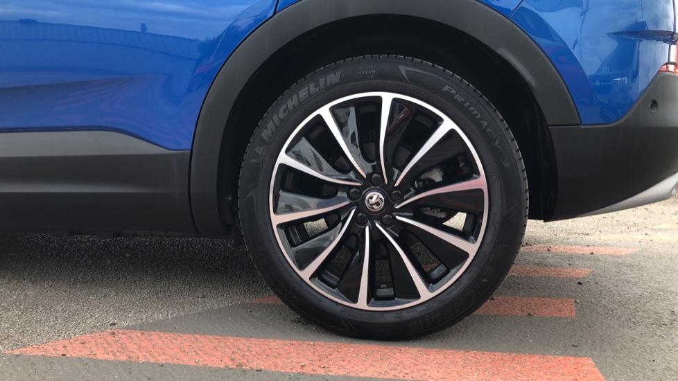 Vauxhall Grandland X 1.6 Hybrid4 300 Elite Nav image 8