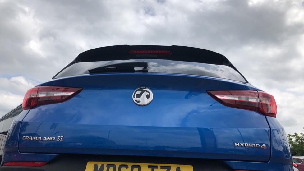 Vauxhall Grandland X 1.6 Hybrid4 300 Elite Nav image 13