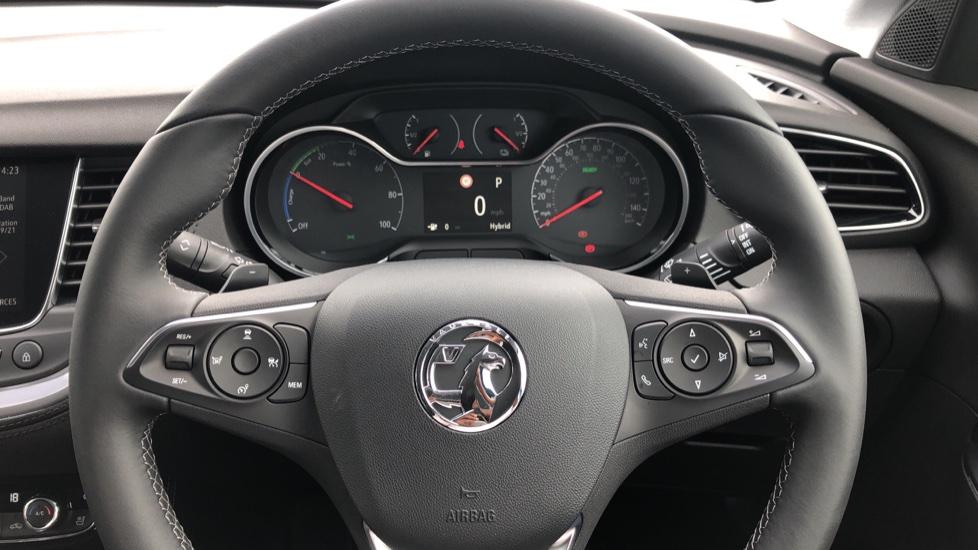 Vauxhall Grandland X 1.6 Hybrid4 300 Elite Nav image 19