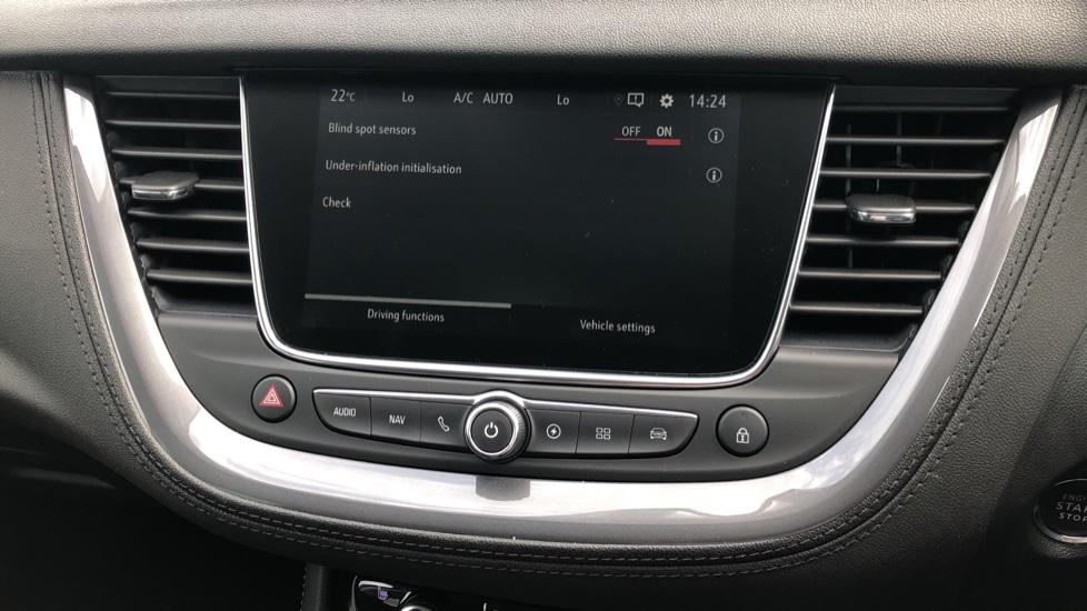 Vauxhall Grandland X 1.6 Hybrid4 300 Elite Nav image 24
