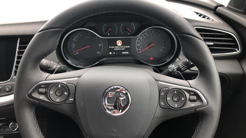 Vauxhall Grandland X 1.6 Hybrid4 300 Elite Nav image 40