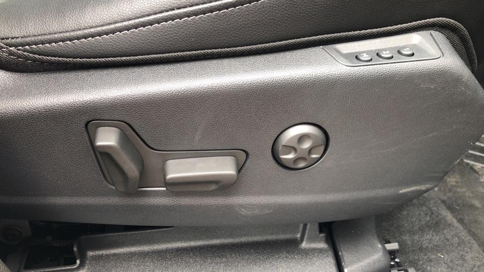 Vauxhall Grandland X 1.6 Hybrid4 300 Elite Nav image 42