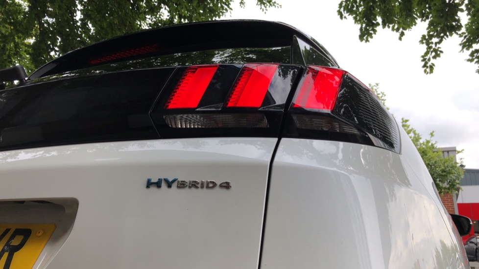 Peugeot 3008 1.6 Hybrid4 300 GT e-EAT8 image 14