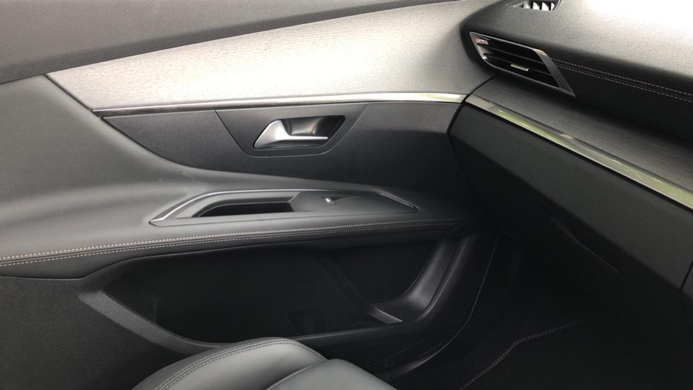 Peugeot 3008 1.6 Hybrid4 300 GT e-EAT8 image 35