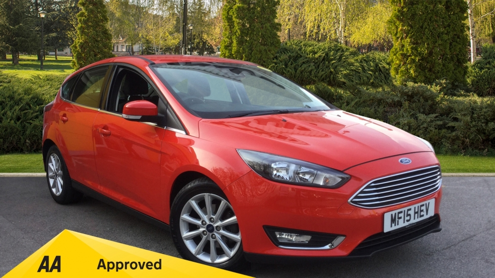 Ford Focus 1.0 EcoBoost 125 Titanium 5dr Hatchback (2015) at Oldham Motors Citroen, Fiat and Jeep thumbnail image
