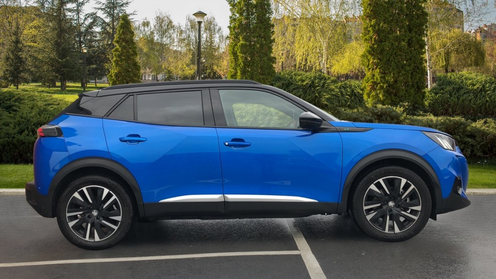 Peugeot 2008 SUV 100kW GT Line 50kWh image 5