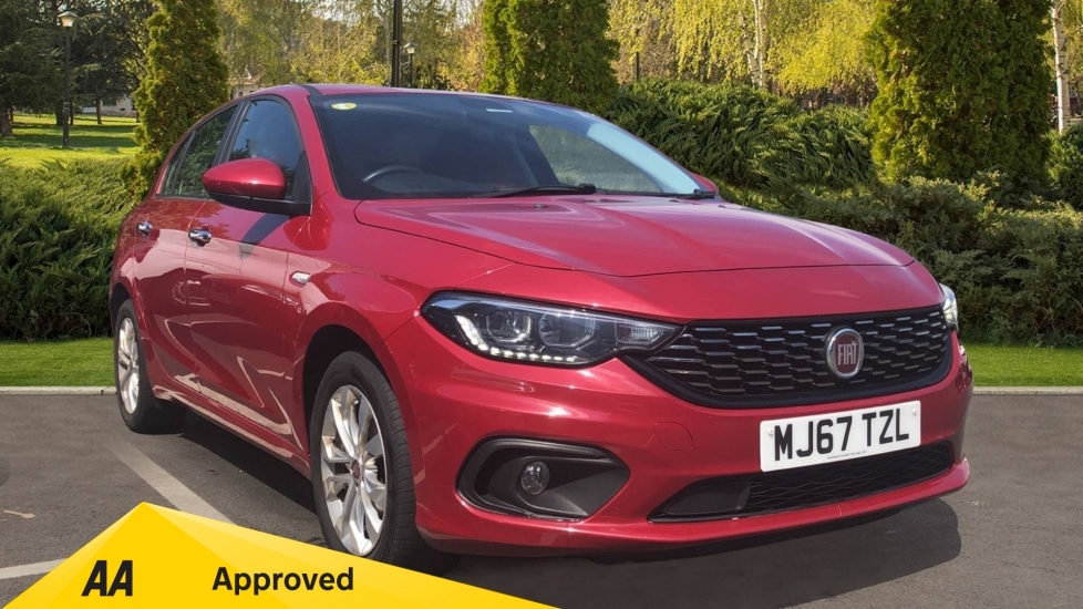 Fiat Tipo 1.4 Easy Plus 5dr - Multifunctional Steering Wheel, Cruise Control & Bluetooth image 1