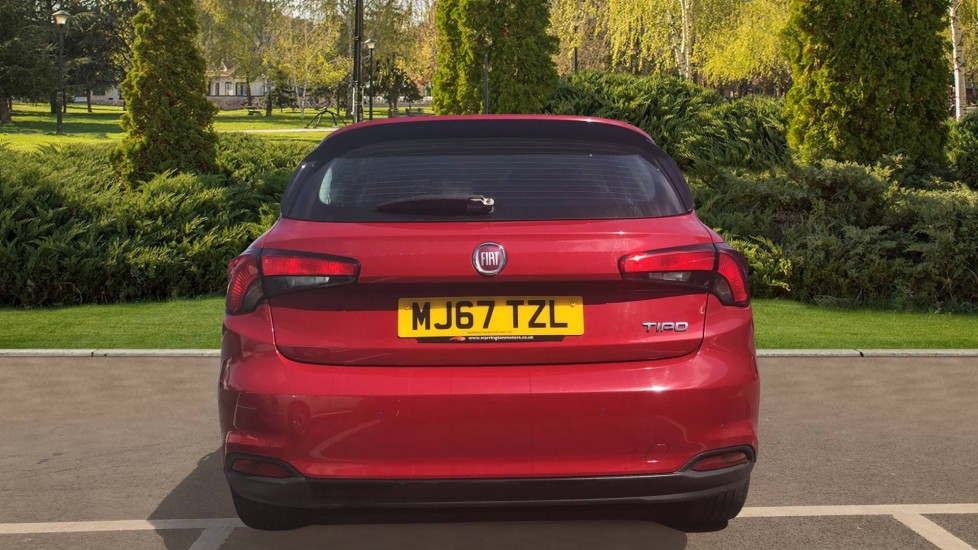 Fiat Tipo 1.4 Easy Plus 5dr - Multifunctional Steering Wheel, Cruise Control & Bluetooth image 6
