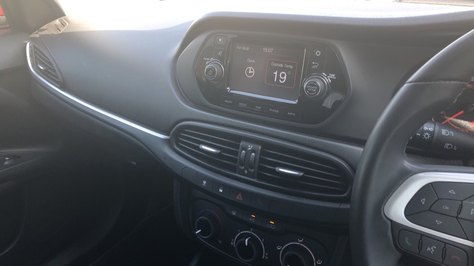 Fiat Tipo 1.4 Easy Plus 5dr - Multifunctional Steering Wheel, Cruise Control & Bluetooth image 22