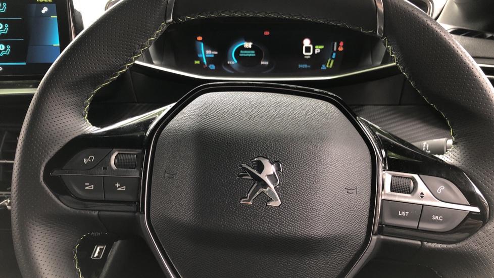 Peugeot 208 100kW GT 50kWh 5dr Auto image 30