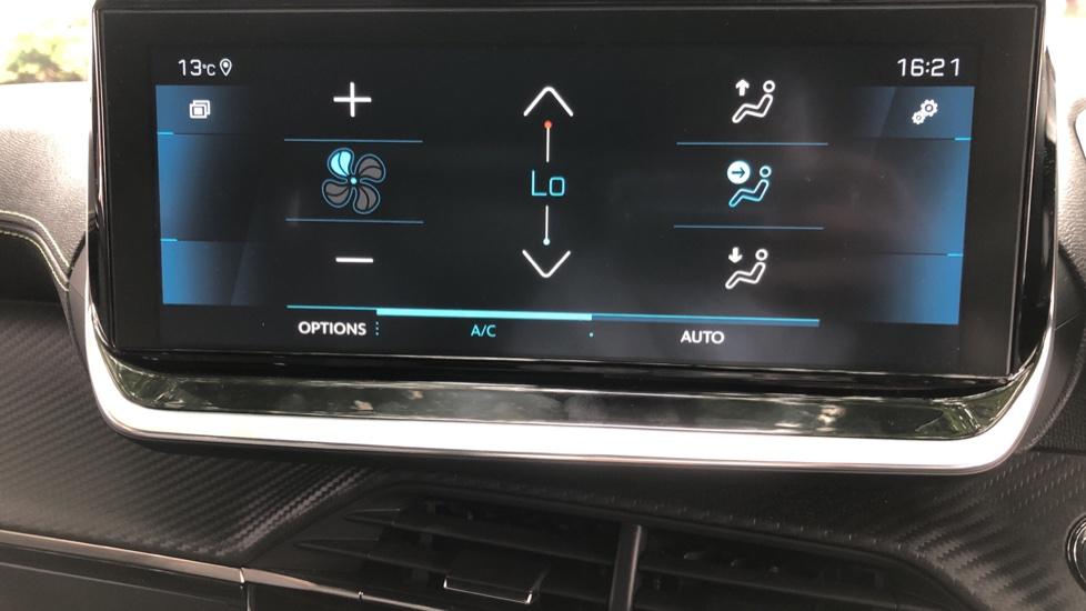 Peugeot 2008 SUV 1.5 BlueHDi GT Line 5dr image 31