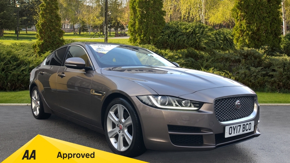 Jaguar XE 2.0d [180] Portfolio with Sliding Panoramic Roof and InControl Touch Pro Navigation Pack Diesel Automatic 4 door Saloon (2017)