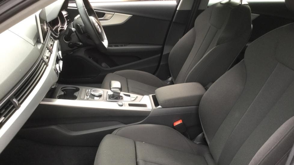 Audi A4 2.0 TDI Ultra Sport S Tronic  image 3