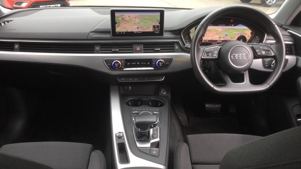 Audi A4 2.0 TDI Ultra Sport S Tronic  image 9