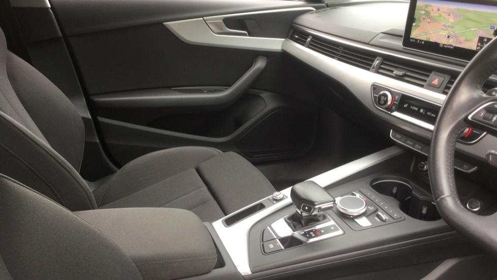 Audi A4 2.0 TDI Ultra Sport S Tronic  image 11