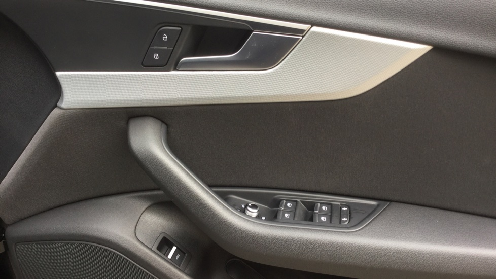 Audi A4 2.0 TDI Ultra Sport S Tronic  image 13
