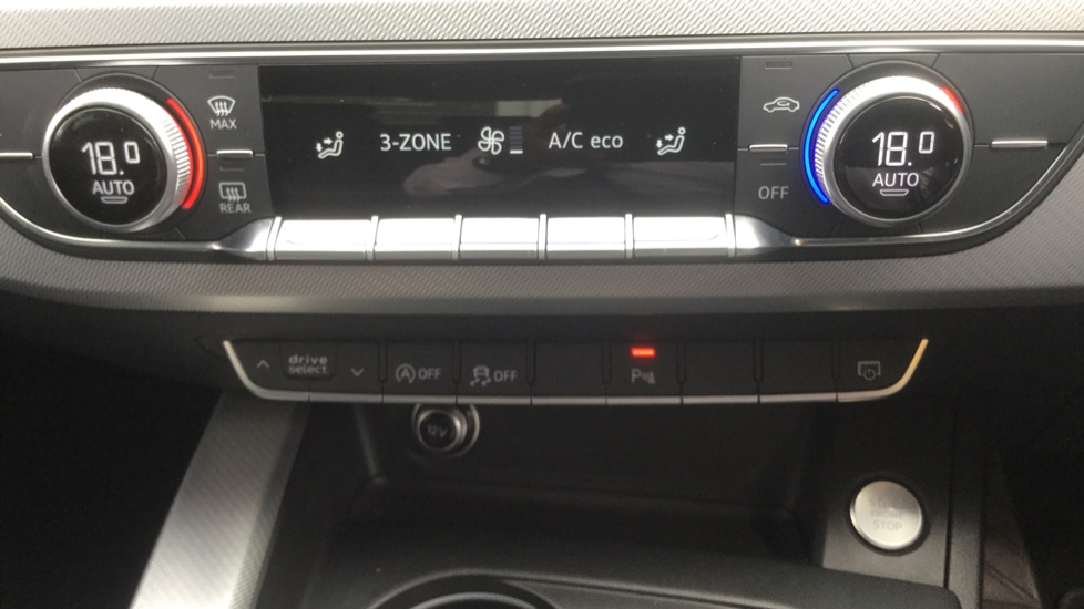 Audi A4 2.0 TDI Ultra Sport S Tronic  image 27