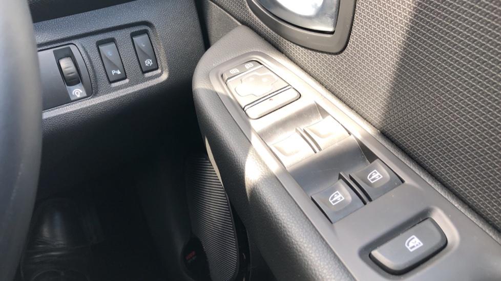 Renault Clio 1.2 TCE Dynamique S Nav 5dr image 25