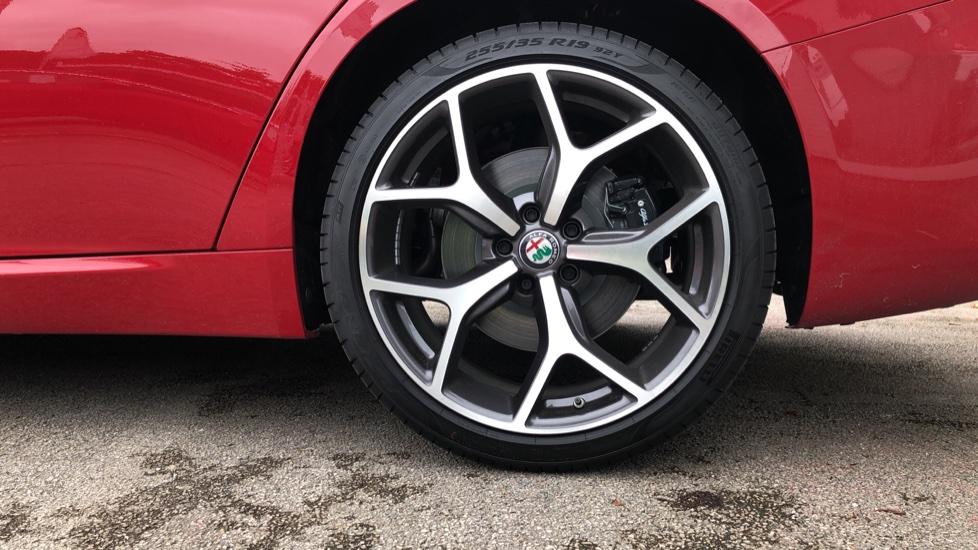 Alfa Romeo Giulia 2.0 TB Lusso Ti 4dr - Huge Saving From New List image 8