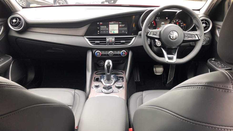 Alfa Romeo Giulia 2.0 TB Lusso Ti 4dr - Huge Saving From New List image 9