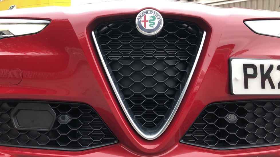 Alfa Romeo Giulia 2.0 TB Lusso Ti 4dr - Huge Saving From New List image 13