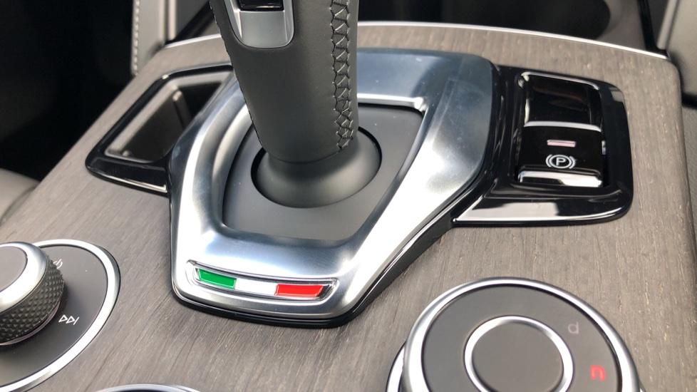 Alfa Romeo Stelvio 2.2 D 210 Veloce 5dr image 14