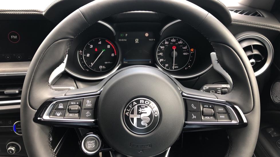 Alfa Romeo Stelvio 2.2 D 210 Veloce 5dr image 24