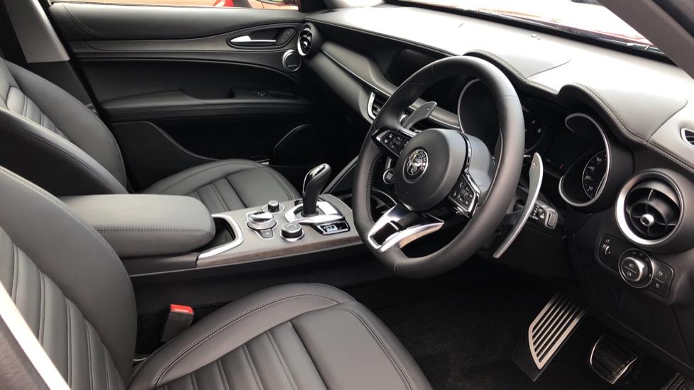 Alfa Romeo Stelvio 2.2 D 210 Veloce 5dr image 39