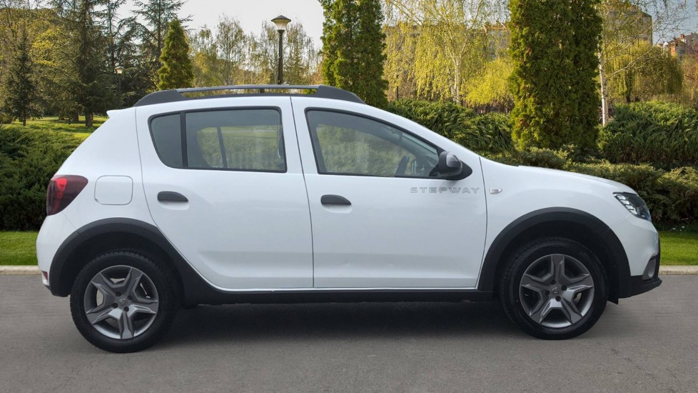 Dacia Sandero Stepway 0.9 TCe Laureate 5dr [Comfort Pack][Bluetooth] image 5