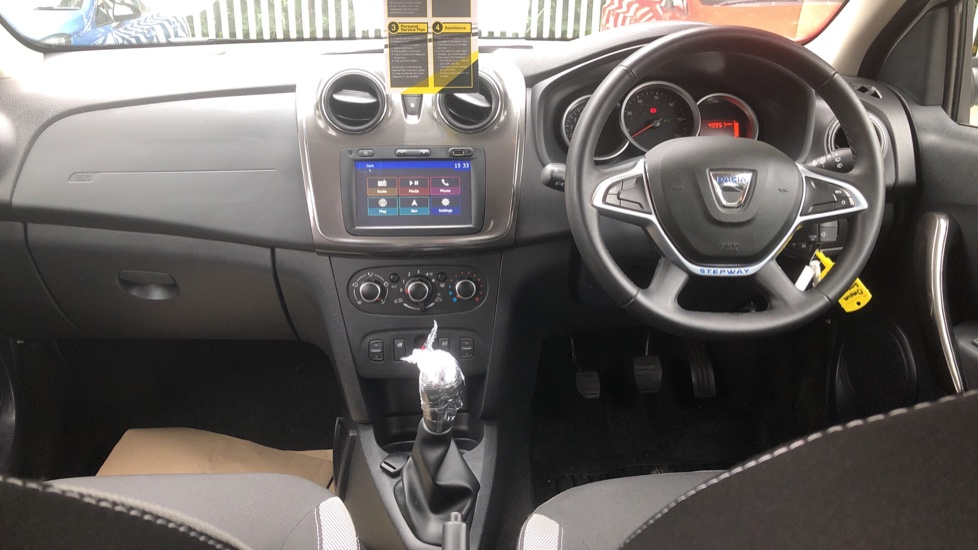 Dacia Sandero Stepway 0.9 TCe Laureate 5dr [Comfort Pack][Bluetooth] image 9