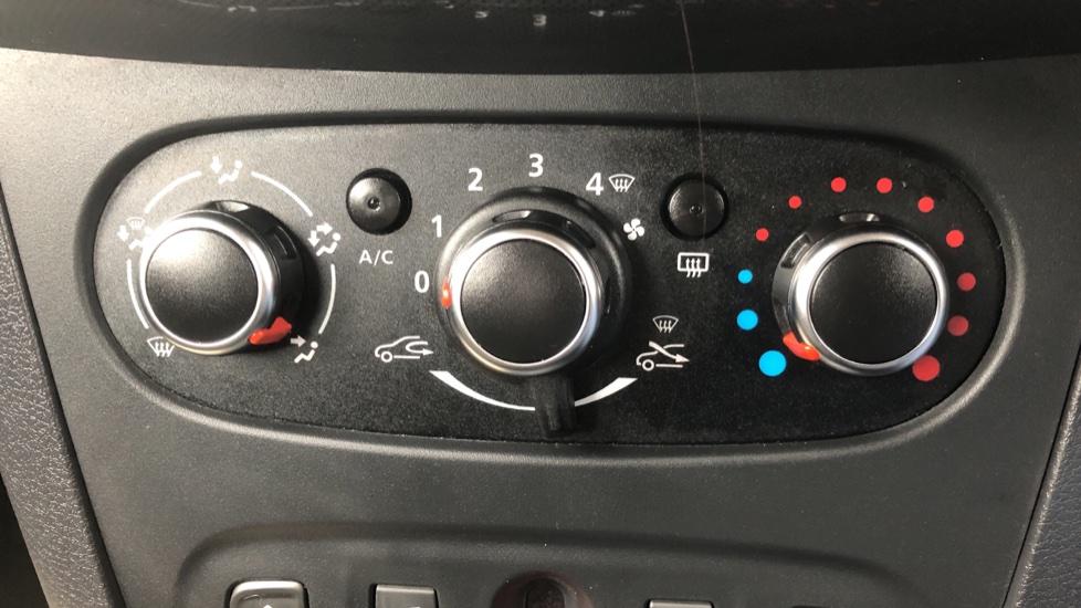 Dacia Sandero Stepway 0.9 TCe Laureate 5dr [Comfort Pack][Bluetooth] image 14