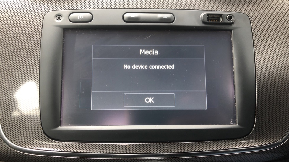 Dacia Sandero Stepway 0.9 TCe Laureate 5dr [Comfort Pack][Bluetooth] image 18