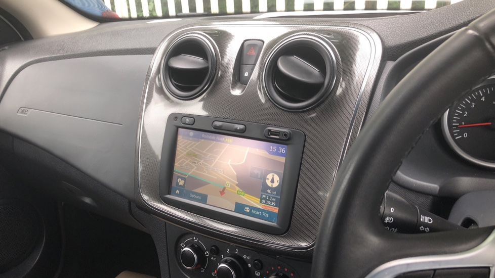 Dacia Sandero Stepway 0.9 TCe Laureate 5dr [Comfort Pack][Bluetooth] image 24