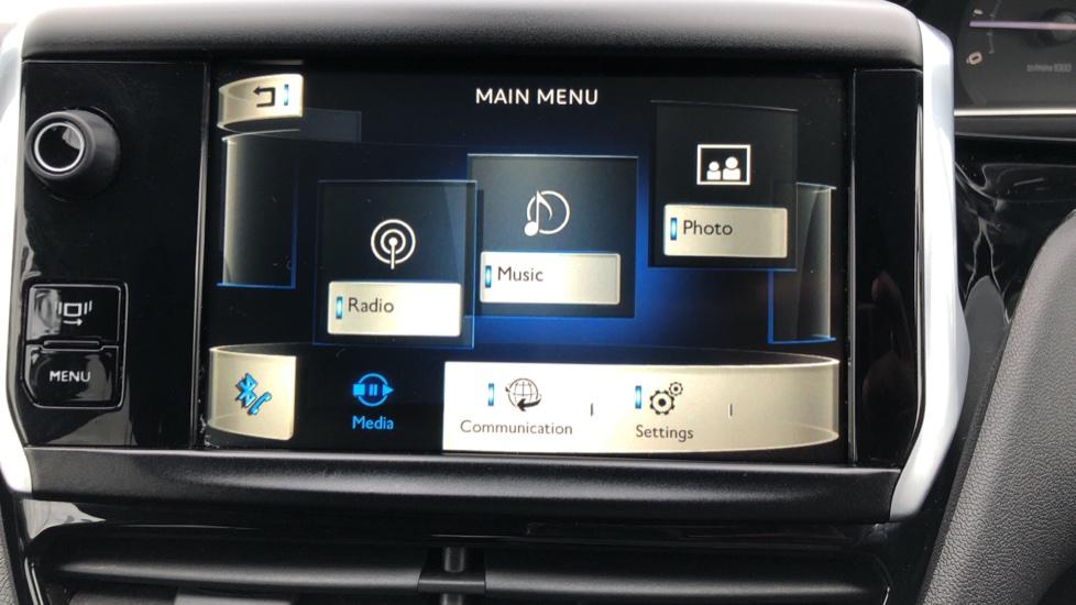 Peugeot 208 1.2 VTi Allure 5dr image 18
