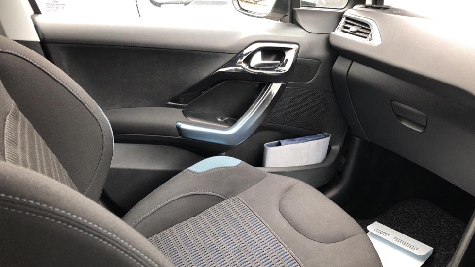 Peugeot 208 1.2 VTi Allure 5dr image 25