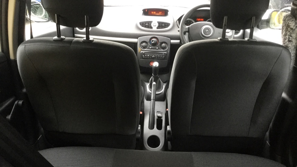 Renault Clio 1.5 dCi 88 eco2 Expression+ 5dr image 10