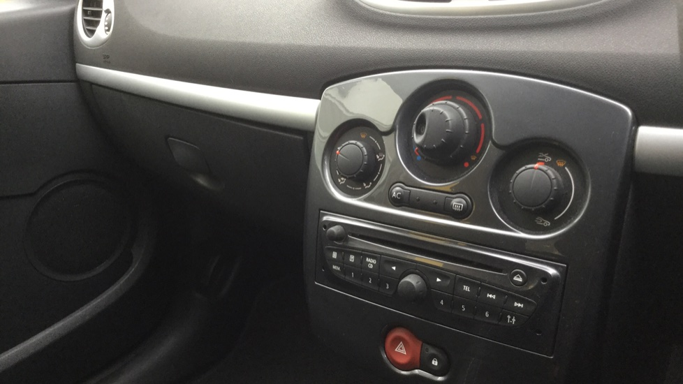 Renault Clio 1.5 dCi 88 eco2 Expression+ 5dr image 21