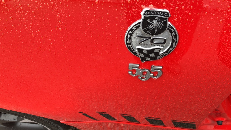 Abarth 595 1.4 T-Jet 180 Competizione 70th Anniversary SPECIAL EDITION image 14 thumbnail