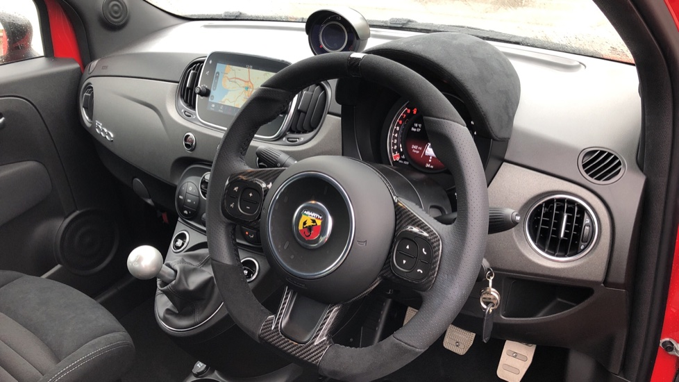 Abarth 595 1.4 T-Jet 180 Competizione 70th Anniversary SPECIAL EDITION image 16 thumbnail
