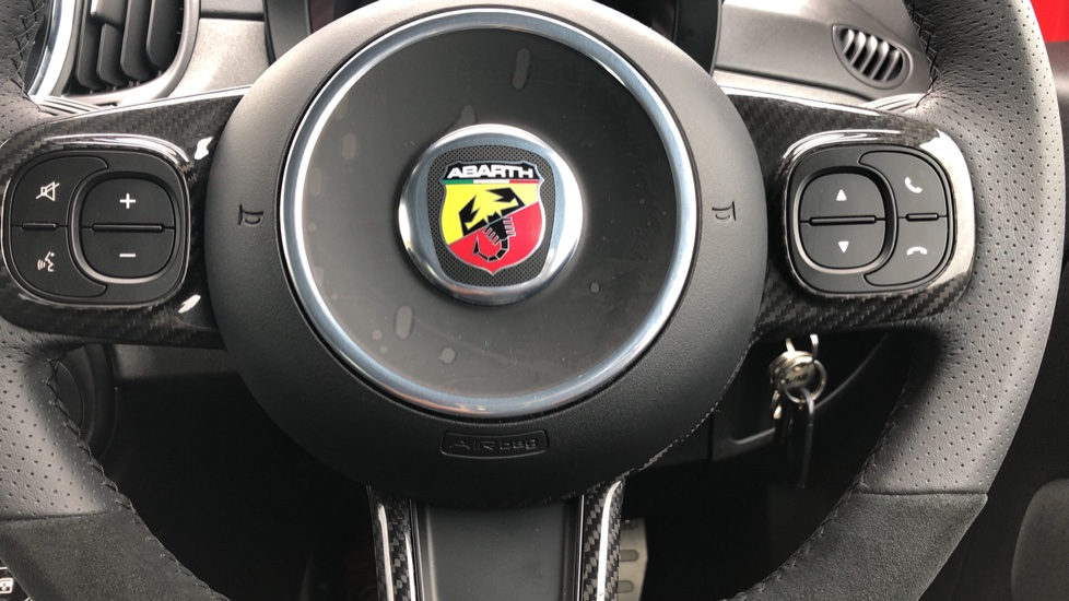 Abarth 595 1.4 T-Jet 180 Competizione 70th Anniversary SPECIAL EDITION image 19 thumbnail
