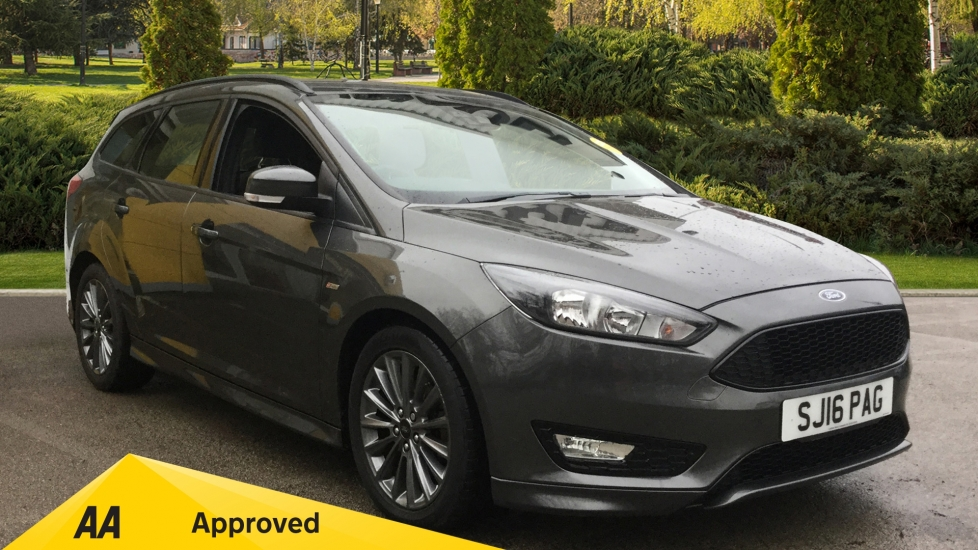 Ford Focus 1.5 TDCi 120 ST-Line 5dr - Ford SYNC2 DAB Navigation System, Rear Park Assist & Active City Stop Diesel Estate (2016) image