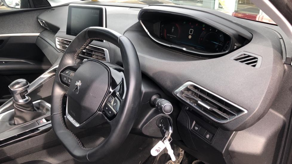 Peugeot 3008 1.6 BlueHDi 120 Allure 5dr image 10