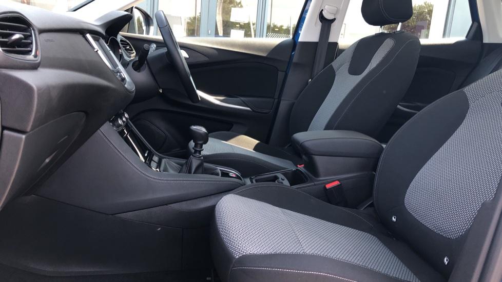 Vauxhall Grandland X 1.5 Turbo D SE 5dr image 3